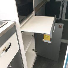Mooveo Van 63XL ausziehbares Ablagebrett