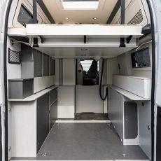 Wohnmobil Mooveo Van 63XL Bettansicht hinten