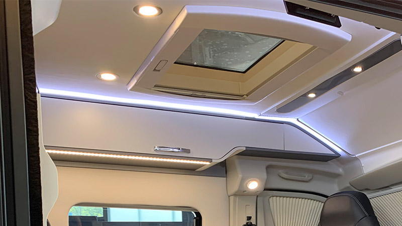 Prestige Ausstattung Mooveo Van
