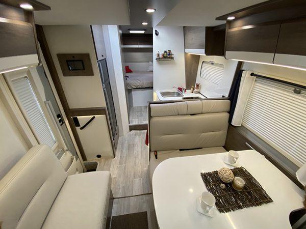 Wohnmobil 74QB Wohnraum
