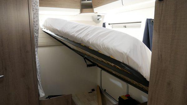 Wohnmobil Mooveo TEI-60FB Schlafbereich Bett