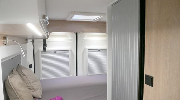 Wohnmobil kaufen neu Van 54DB Bett
