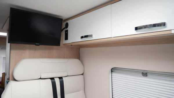 Wohnmobil kaufen neu Van 63DBL TV