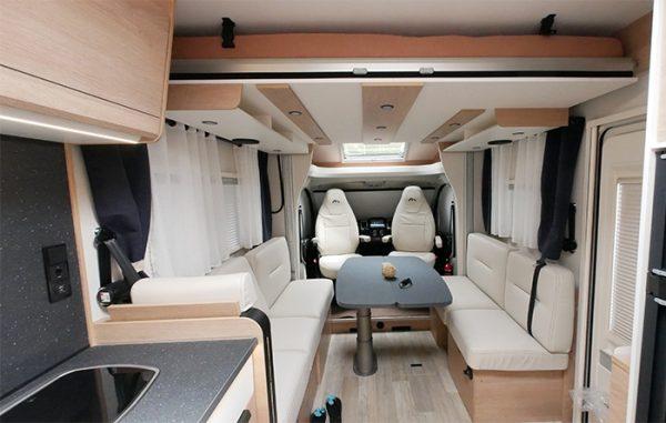 Wohnmobil kaufen neu Mooveo TEI 70DH Ansicht Wohnbereich
