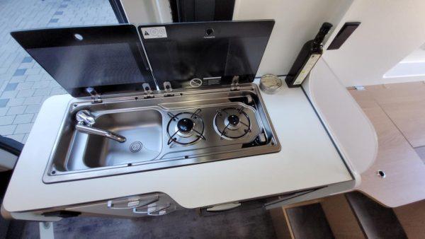 Wohnmobil kaufen neu Van-60EB Ansicht Küche 03
