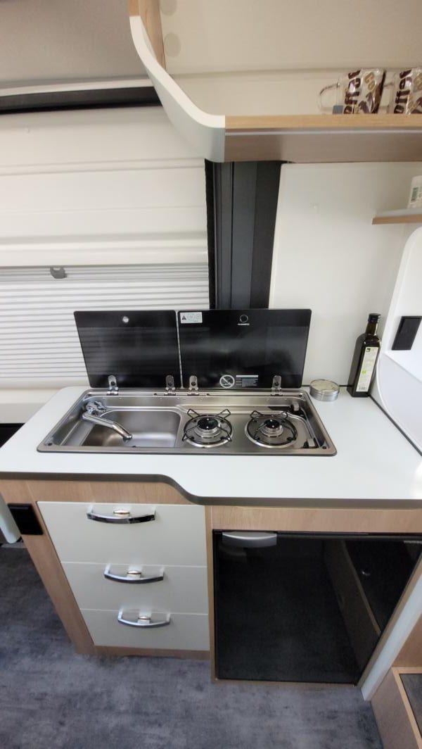 Wohnmobil kaufen neu Van-60EB Ansicht Küche 05