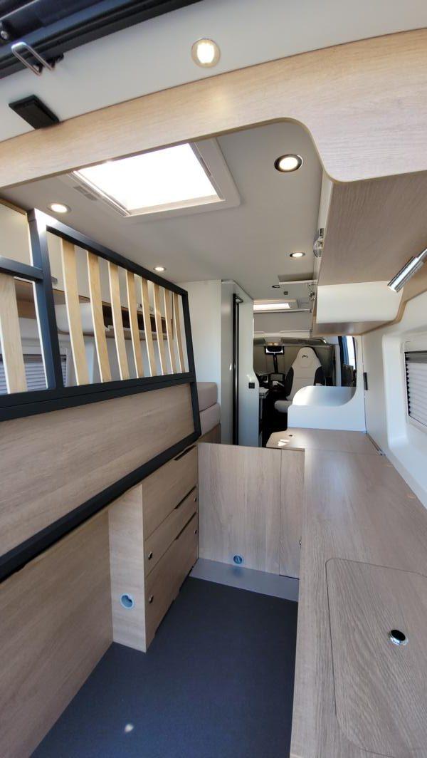 Wohnmobil kaufen neu Van-60EB Ansicht Stauraum Heck 01