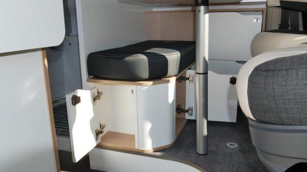 Wohnmobil kaufen neu Van-60EB Ansicht Stauraum Wohnen 02
