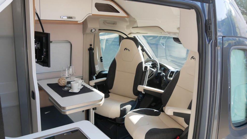 Wohnmobil kaufen neu Van-60EB Ansicht Wohnen 01