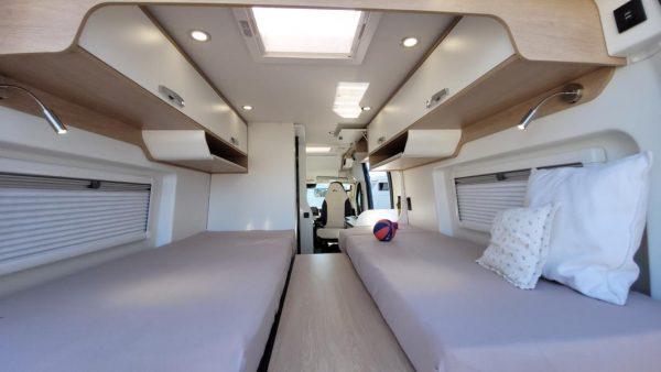 Wohnmobil kaufen neu Van-60EB Ansicht hinten nach vorn 01