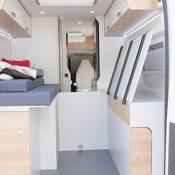 Kastenwagen Mooveo Van 63EB - Bett aufgeklappt