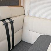 Wohnmobil kaufen neu Mooveo TEI 74EBH helle Sitze