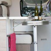 Wohnmobil-kaufen-neu_Mooveo-Van-63EB_Ablage-Küche_2021_min