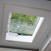 Mooveo Van Dachfenster Wohnbereich