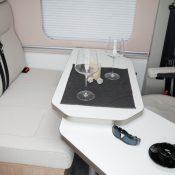 Wohnmobil kaufen neu Van-60DB Ansicht Tisch Lounge