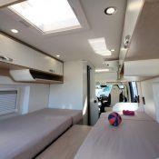 Wohnmobil kaufen neu Van-60EB Ansicht Bett 01