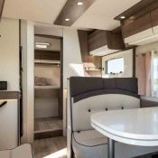 Wohnmobil Mooveo TEI-74QB Loungebereich 3